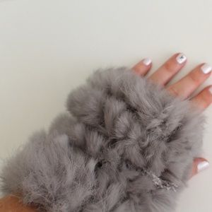 Fingerless rabbit fur mittens